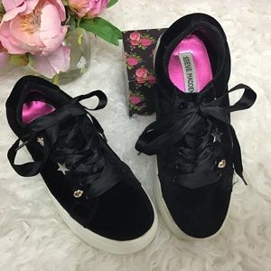 Steve madden black velvet w/ gold accents sneakers